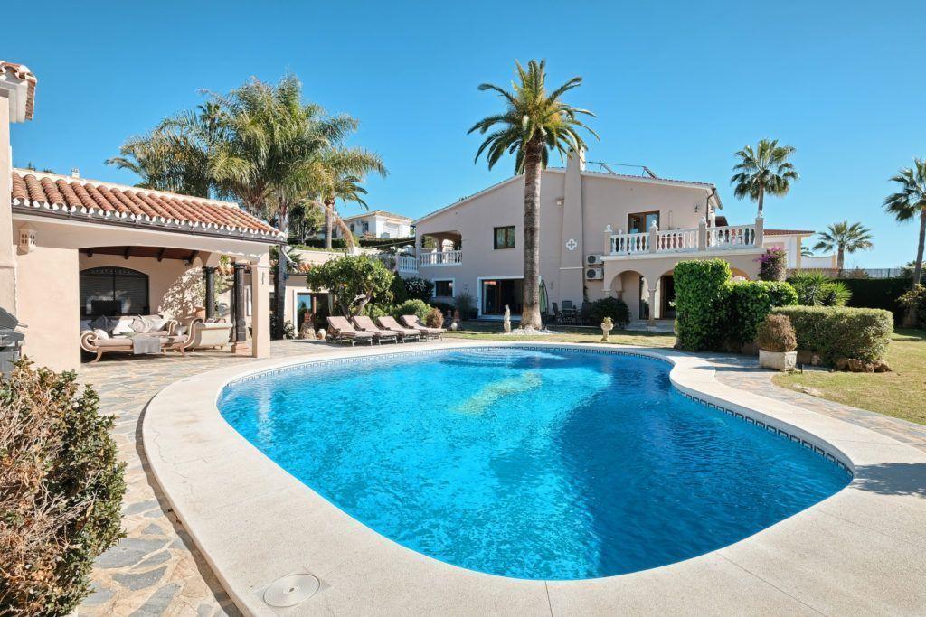 ARFV2059-271 - Beautiful villa with sea views for sale in Elviria in Mabella