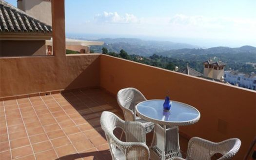 ARFA997 - Beautiful penthouse for sale in La Mairena in Ojen with marvelous sea views