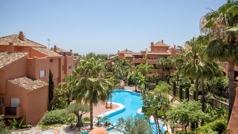 ARFA1204 - Penthouse with sea views for sale in Sierra Blanca in Marbella
