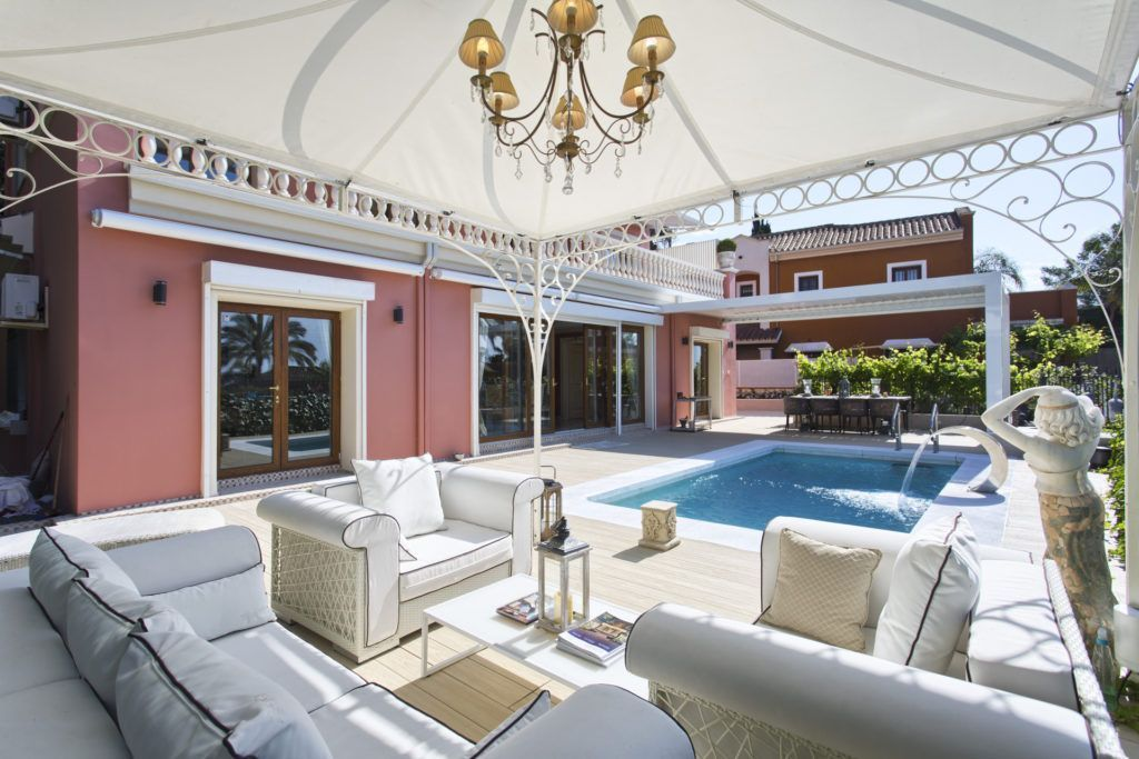 ARFV1981-232 - Villa in classic style for sale in Nagueles in Marbella