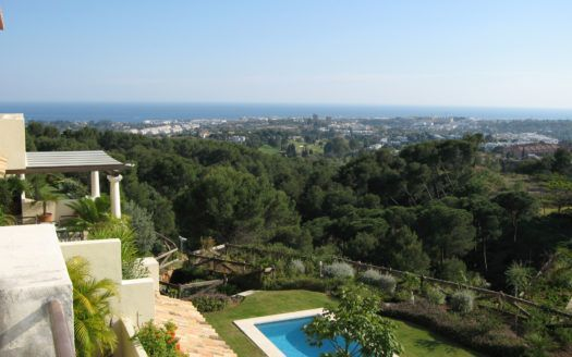 ARFA1302 - Superb penthouse with views to the sea and the mountains