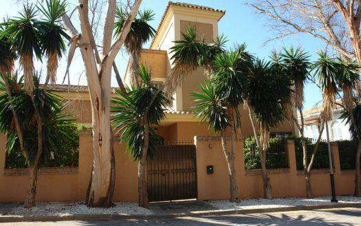 ARFV1930 - Lovely Beach villa for sale in Real Zaragoza in Elviria Marbella