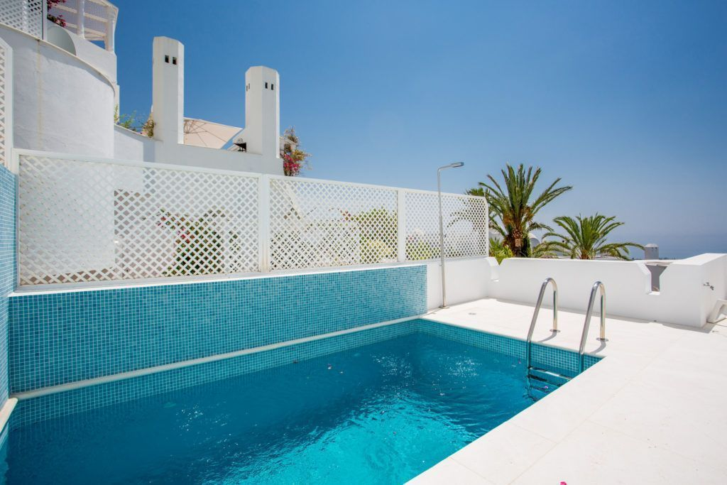 ARFA1364 - Beautiful apartment for sale in the Marbella Hill Club on The Golden Mile in Marbella