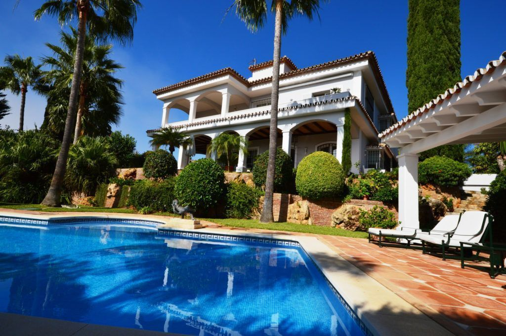 ARFV1948 - First-class Villa in beach location for sale in Bahia de Marbella  in Marbella East