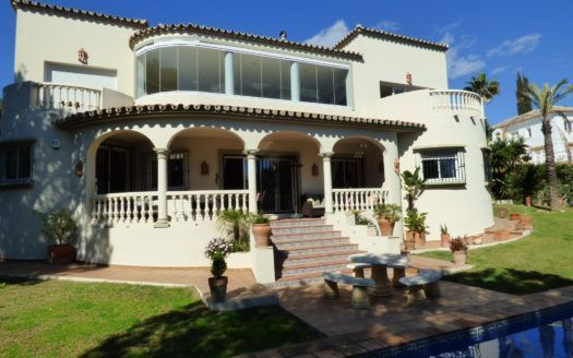 ARFV1963 - Stylish villa for sale in beach location in Marbesa in Marbella-East