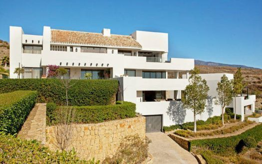 ARFA1274 - Attractive ground floor apartment for sale in Los Flamingos in Estepona
