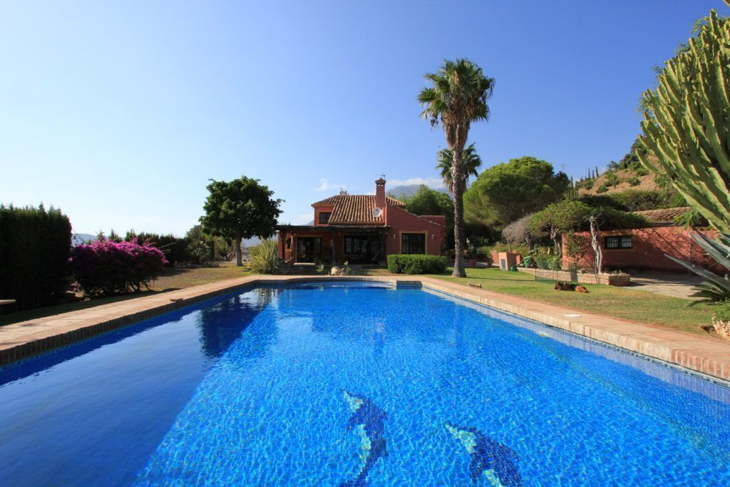 ARFV2053 - Unique Finca for sale in Estepona