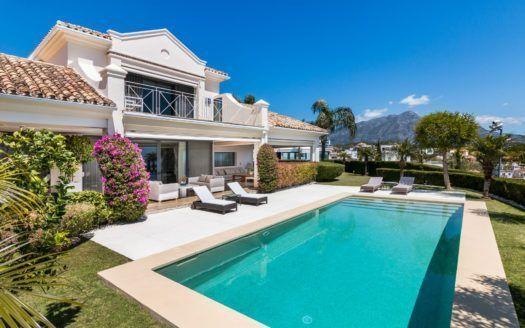 ARFV2061 - Refurbished villa wit panoramic sea views for sale in La Quinta