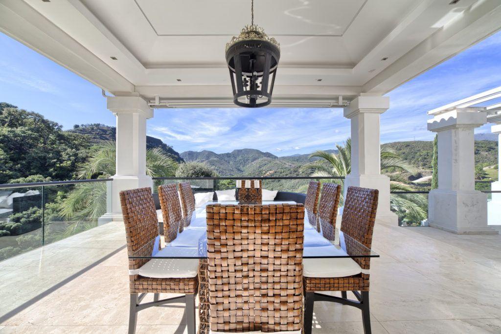 ARFV1825-152 -  spacious villa for sale in La Zagaleta in Benahavis