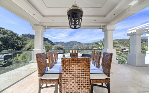 ARFV1825-152 -  spacious villa for sale in La Zagaleta in Benahavis