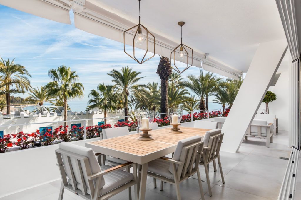ARFA1311 - Stunning apartment in first beach line at the Golden Mile in Marbella for sale
