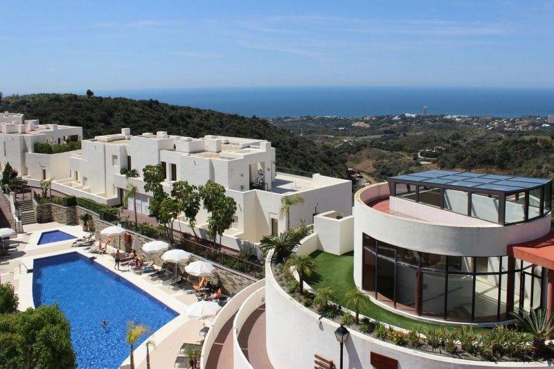 ARFA1383 - Marvelleous apartment for sale in Altos de Los Monteros in Marbella