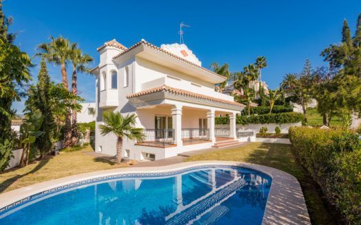 ARFV1736 - Magnificent villa for sale in Guadalmina Alta in San Pedro de Alcántara