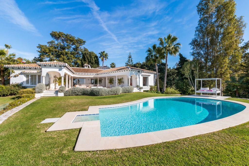 ARFV2133 - Magnificent villa for sale in Hacienda Las Chapas in Marbella