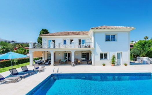 ARFV2140 - Fantastic villa in beach location for sale on the Golden Mile in Marbella