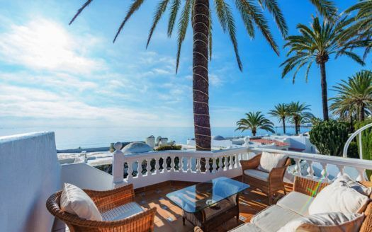 ARFV2142 - Luxury semi-detached villa in beach location on the Golden Mile in Marbella