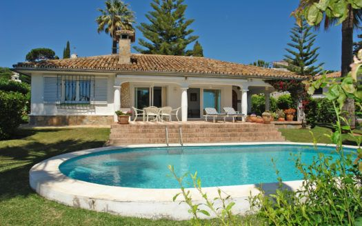 ARFV1817 - Andalusian style villa with sea views for sale in Elviria in Marbella