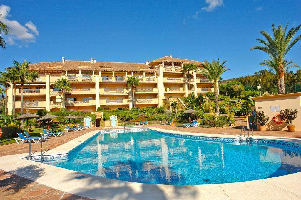 ARFA1272 - Very attractive golf apartment for sale in Rio Real in Marbella