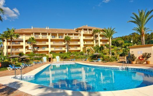 ARFA1272 - Very attractive golf apartment for sale in Rio Real in Marbella