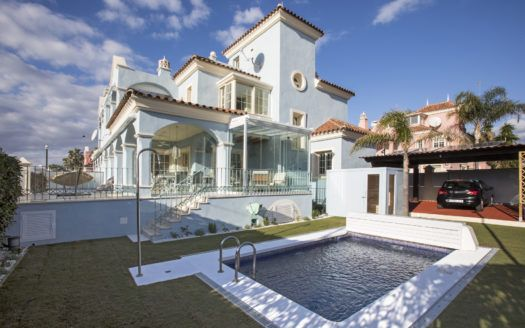 ARFV2124 - Exclusive villa for sale in Lorea Playa in Puerto Banus