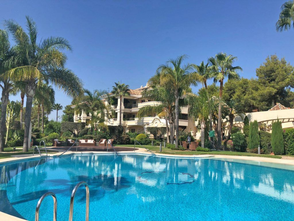 ARFA1402 - Luxury apartment for sale in Monte Castillo in Alto Reales in Marbella