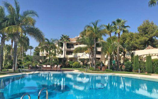 ARFA1402 - Luxury apartment for sale in Monte Castillo in Alto Reales in Marbella