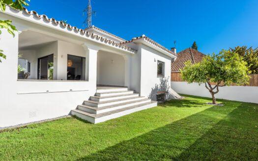 ARFV2126 - Modern urban villa for sale in Marbella