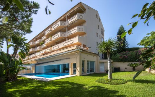ARFA1362 - Apartment on the beach side for sale in Marbesa in Marbella