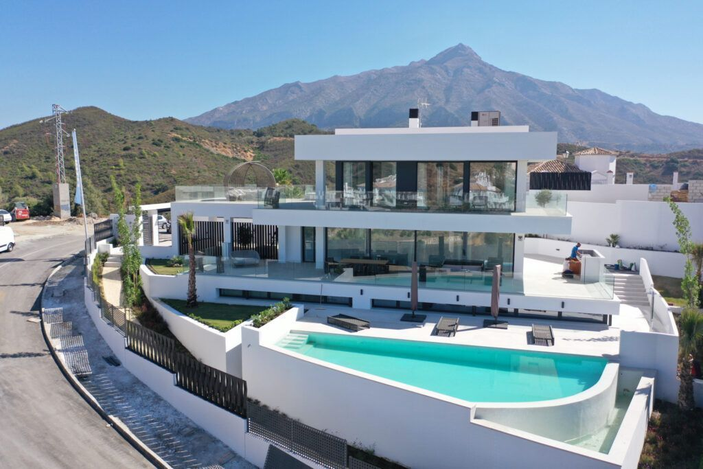 ARFV2165 - New modern villa for sale in Nueva Andalucia in Marbella