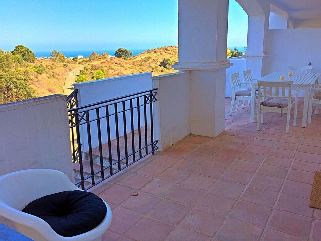 ARFA1409 - Apartment with sea views in Pueblo de Los Monteros in Marbella