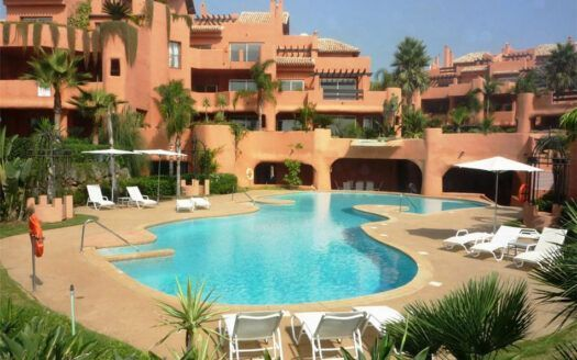 Apartments and Penthouses for sale in Los Monteros Playa in Marbella
