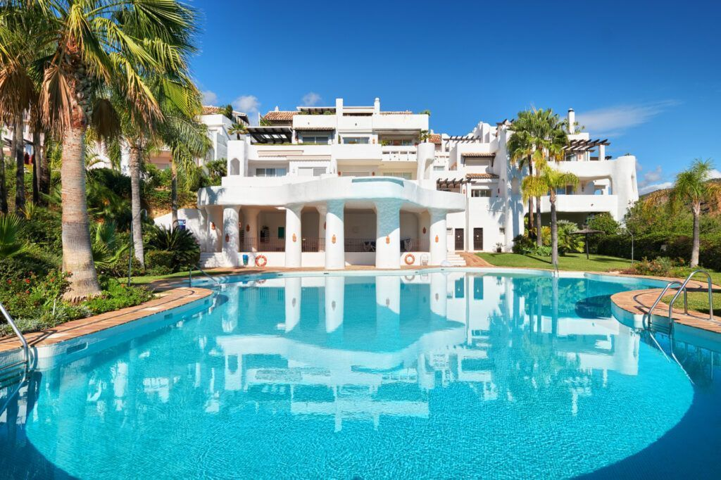 ARFA1424-262 Lovely ground floor appartment for sale in Las Lomas de la Quinta in Benahavis