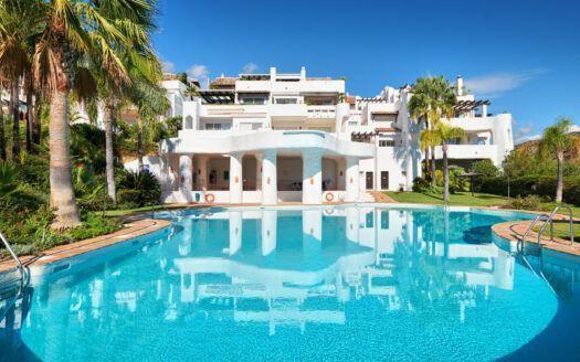 ARFA1424-262 Lovely ground floor appartment for sale in Las Lomas de la Quinta in Benahavis
