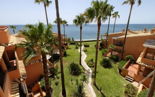 ARFA1425-324 Fully renovated penthouse in first beach line in Urb. Bermuda Beach in Estepona