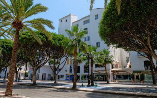 ARFA -344 Renovated apartement in Puerto Banus in Marbella