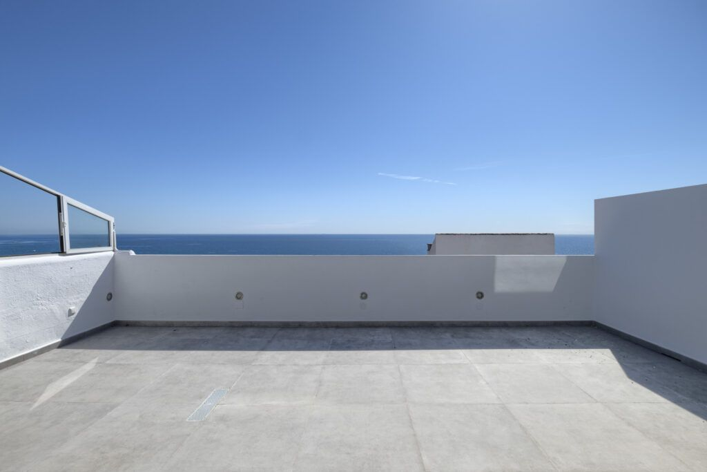 ARFA1432-359 Renovated duplex penthouse first beach line in Guadalobon in Estepona