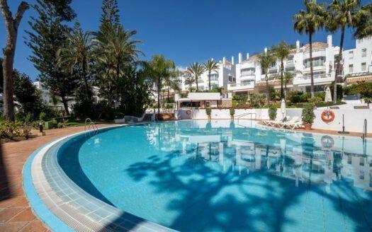 ARFA1437 - Apartment for sale in beach location in Elviria in Marbella