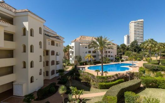 ARFA1438 - Beautiful beach flat for sale in Elviria in Marbella
