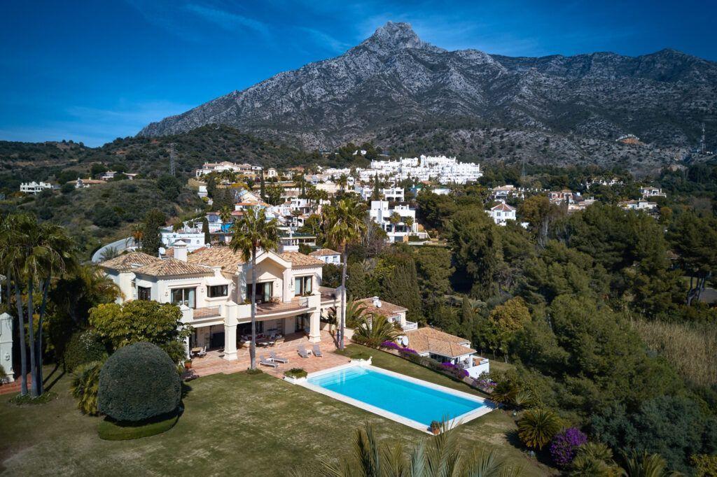ARFV2207-376 Beautiful luxury villa on the Golden Mile