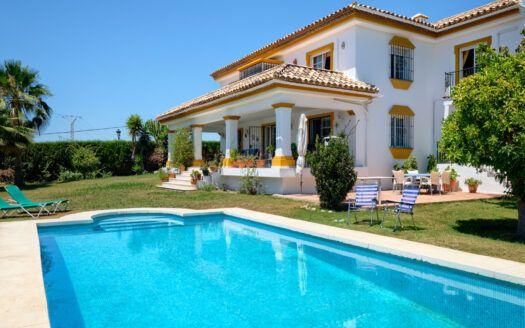 ARFV2204-393 South facing Andalusian style villa