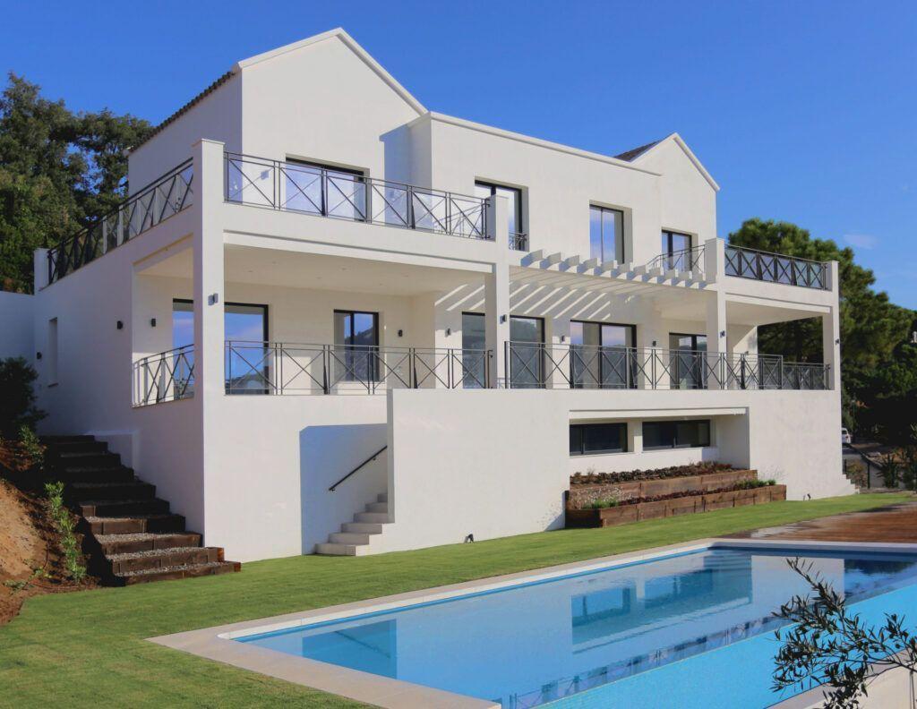 ARFV2203-395 Contemporary Andalusian Villa
