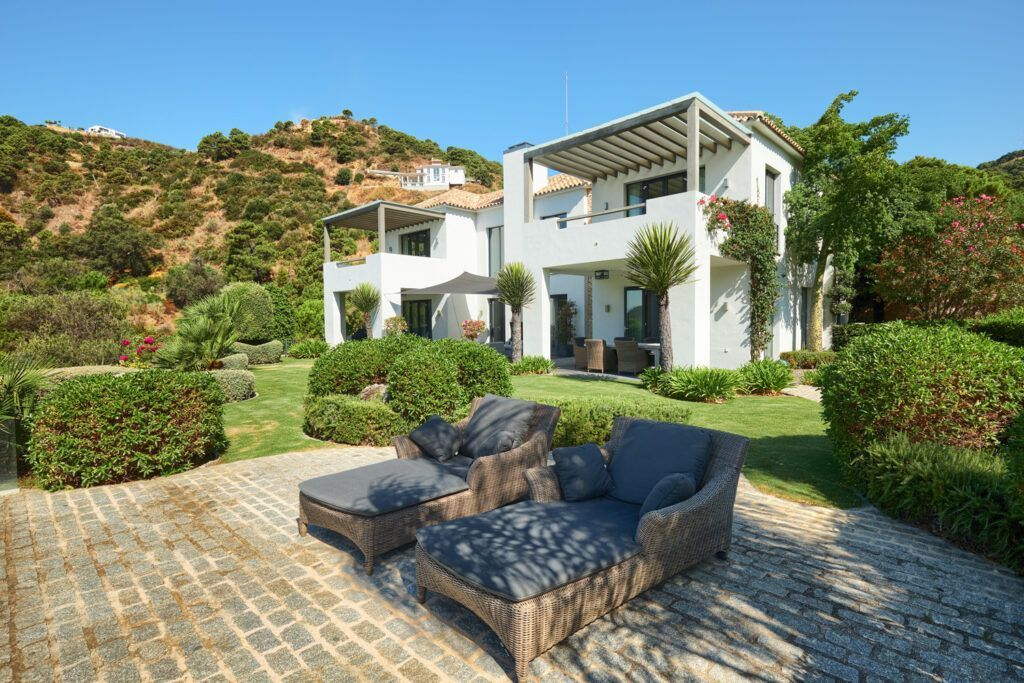 ARFV2211-312 Top quality private villa with sea and mountain views