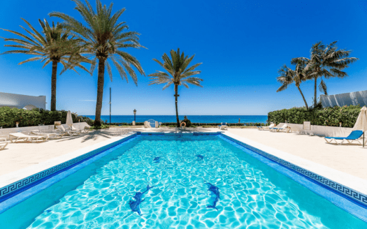ARFTH170 Stylish house in beach location with sea view in gated community in Marbella Golden Mile