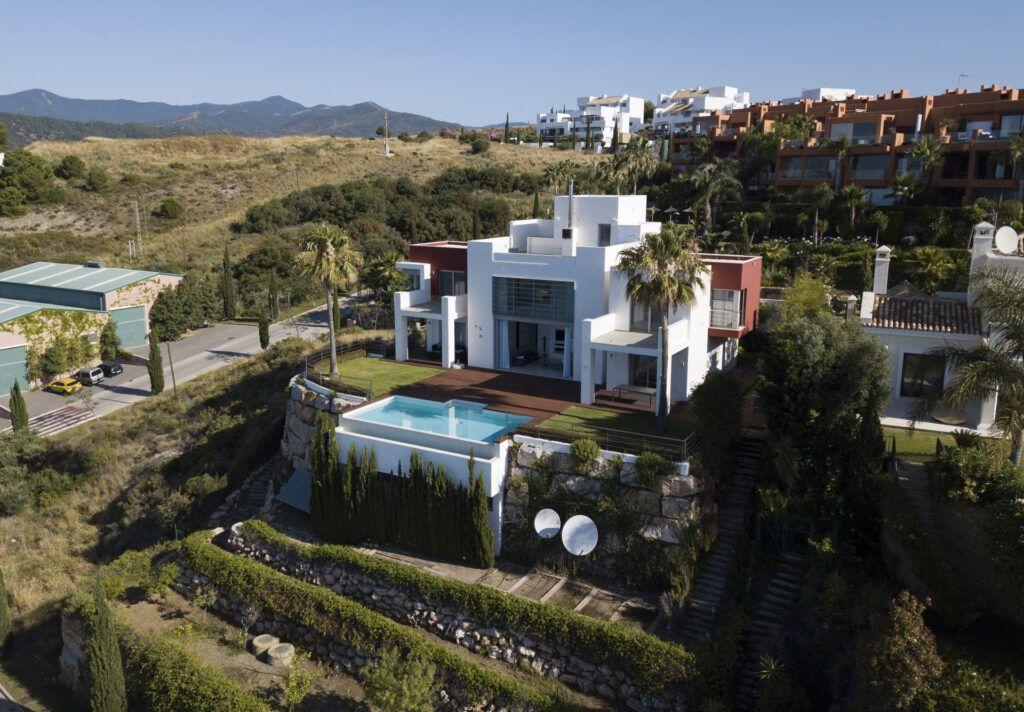 ARFV2210-347 Contemporary south facing Villa with panoramic views