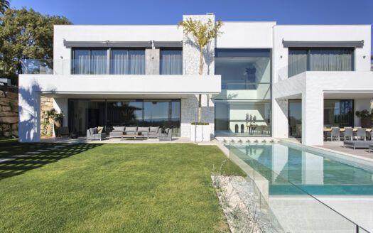 ARFV1951-210 - Contemprary Villa for sale in La Alqueria in Benahavis
