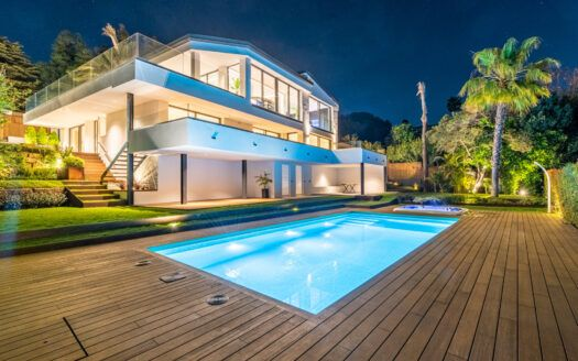 ARFV2196 New Beachside for sale Villa with panoramic seaview in Marbesa in Marbella